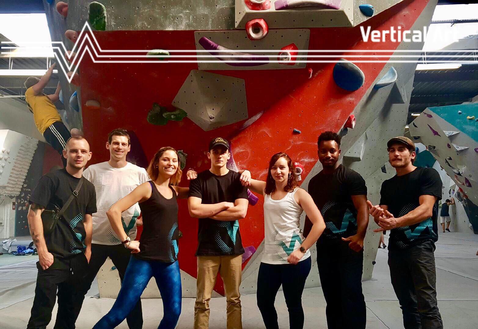 team / vertical'art / famille / fun / esprit d'équipe / salle d'escalade de bloc / Vertical'art / shop