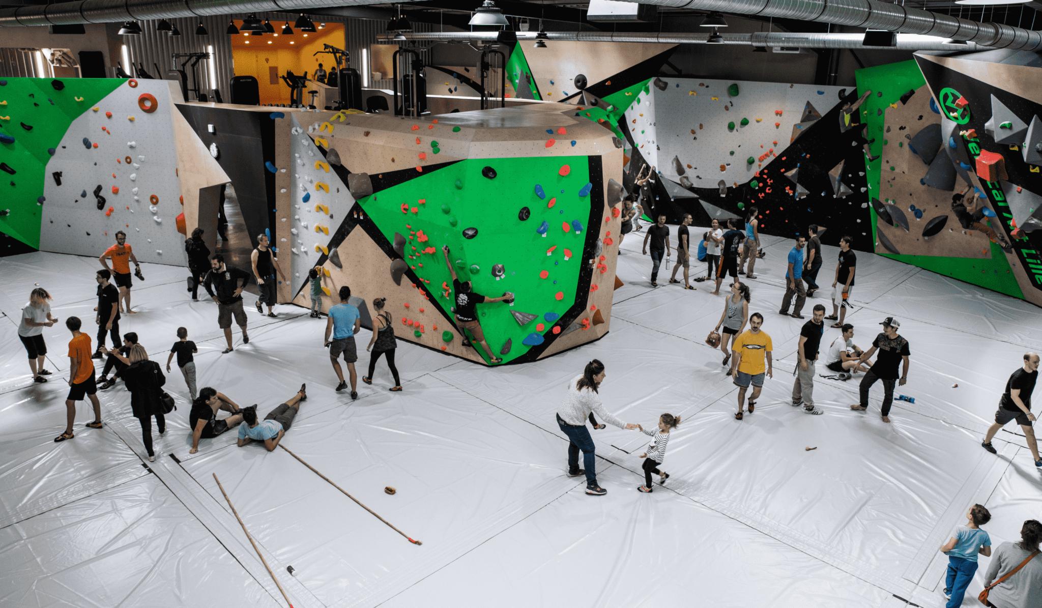 inauguration-vertical'art lille - salle d'escalade de bloc - restaurant -bar - Lille