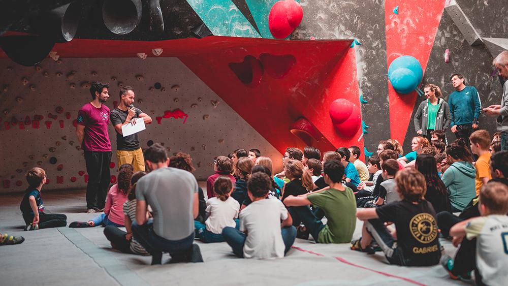 brief enfant - cours annuel- stage -à Vertical'Art bloc- escalade