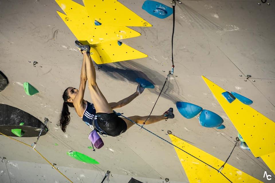 notre athlète du team vertical'art, fanny gibert, est arrivée troisième à la coupe du monde d'escalade de difficulté de briançon, au prix d'un run exceptionnel en finale