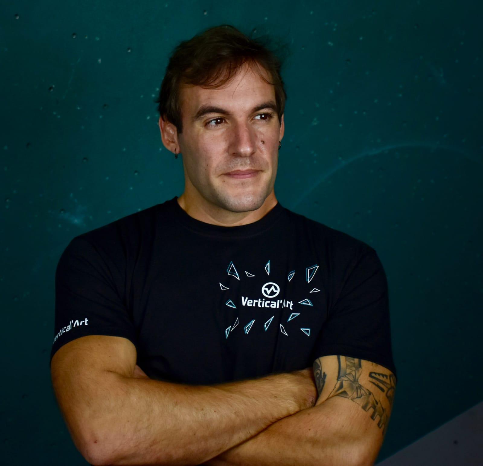 interview de jonathan bel-legroux, coach mental de sportifs, écrivain et futur directeur de vertical'art chevaleret